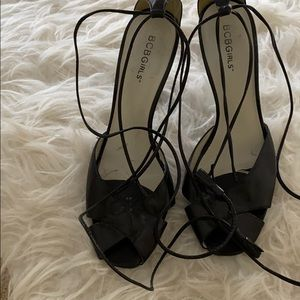 New BCBG ankle strap Lace up Heels/sandals 8